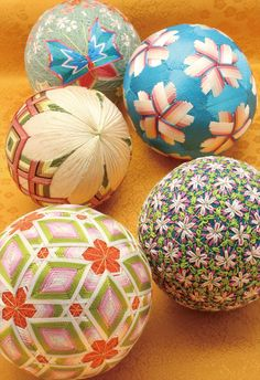 1 million+ Stunning Free Images to Use Anywhere Quilling Christmas, Christmas Baubles, Japanese Textiles, Japanese Art, Diy Home Crafts, Easy Crafts, J Craft, Hina Matsuri, Temari Patterns