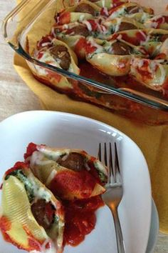 A traditional dinner time favorite made easy with Farm Rich Meatballs. Make a savory, cheesy filling and nestle a meatball in the shells. Bake in sauce for a classic Italian meal the family will love!