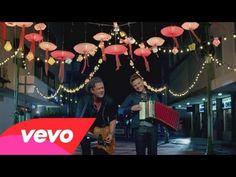 Carlos Vives - Como Le Gusta a Tu Cuerpo ft. Latina, Marco Antonio Solis, Mermaid Drink, Colombian Culture, Latin Dating, Spanish Music, Spanish Class, Tropical Fashion, Single Travel