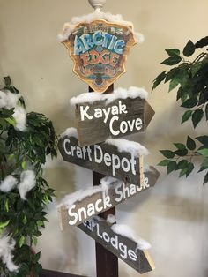 Directional sign Snow Theme, Winter Theme, Vbs Crafts, Crafts For Kids, Arctic Decorations, Operation Arctic, Everest Vbs, Office Christmas, Christmas Ideas