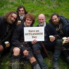 A website dedicated to news on the Outlander book series by Diana Gabaldon adaptation coming to the Starz network in Claire Fraser, Jamie Fraser, Fraser Clan, Outlander Book Series, Outlander Casting, Outlander Tv Series, Outlander Funny, Starz Outlander, Outlander Characters