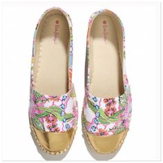 NWT Lilly Pullitzer size 6 Loafers NWT Lilly Pullitzer Loafers in size 6.  These are a size 4 in children size but convert to size 6 in woman size. See conversion chart.  No box available.  Black marking across the name so you cannot return to store. Lilly Pulitzer Shoes