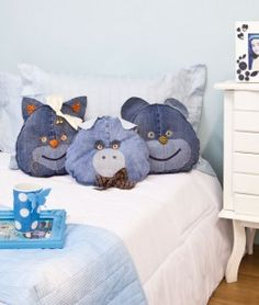 diy recycling ideas old denim jeans sewing animal pillows kids room