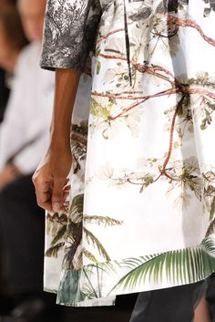 Dries Van Noten Spring 2012 Ready-to-Wear - Details - Gallery - Style.com