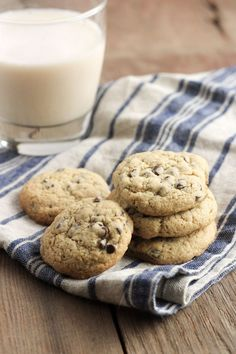 Sorghum flour is a great choice for gluten free home baking! Check out this recipe for Gluten Free Chocolate Chip Cookies with Sorghum Flour Best Holiday Cookies, Holiday Cookie Recipes, Dog Treat Recipes, Real Food Recipes, Free Recipes, Dessert Recipes, Healthy Recipes, Desserts, Quick Recipes