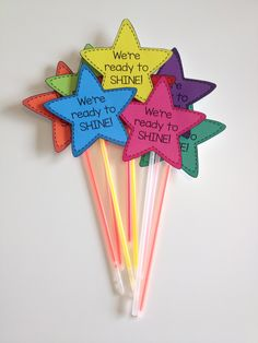 First Day of School or Test Prep Gift Build classroom community at the beginning of the year (or encourage your students during testing season!) with We're Ready To Shine! Motivational gift tags to celebrate and motivate from Mrs. Beattie's Classroom. First Day Of School Activities, 1st Day Of School, Beginning Of The School Year, School School, School Lunches, School Hacks, School Teacher, School Ideas, Space Theme Classroom