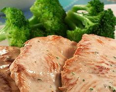 Franguinho ao Molho de Iogurte e Batatas Salteadas - http://www.receitasja.com/franguinho-ao-molho-de-iogurte-e-batatas-salteadas/