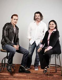 Trio de choc!  #Outlander #SDCC2015 | Sam Heughan (Jamie Fraser), Ron D. Moore and Diana Gabaldon from the Outlander series on Starz