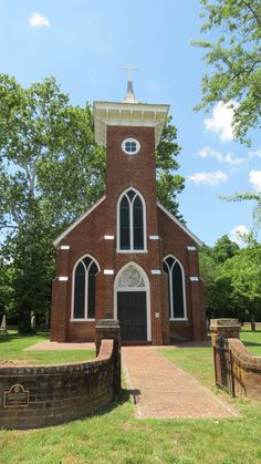 Emmanuel Church in Virginia Take Me To Church, Virginia Usa, Old Churches, Cathedrals, San Francisco Ferry, Temples, Architecture, Building, Arquitetura