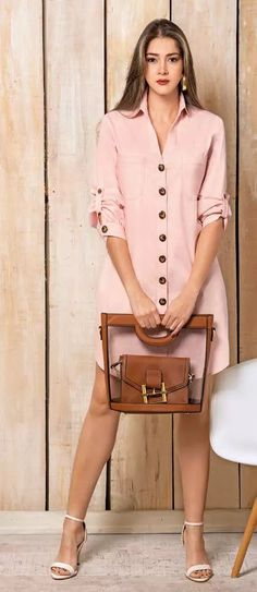 Source by smilenameza camiseros Chic Outfits, Dress Outfits, Casual Dresses, Short Dresses, Fashion Dresses, Classy Casual, Classy Dress, Pretty Dresses, Ideias Fashion