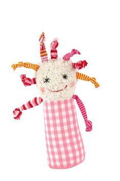 Dieser süße Greifling Mädchen Flippippi ist ein süßes Geschenk zur Taufe oder Geburt. Der Greifling ist aus Baumwolle hat eine Länge von 20 cm und ist per Hand waschbar. Der Greifling hat eine Rassel im Körper und am Boden einen...