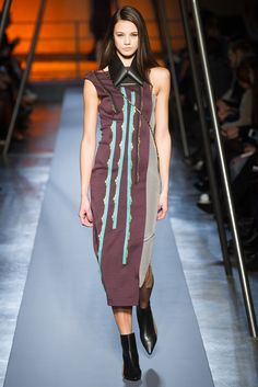 Roland Mouret Fall 2014 Ready-to-Wear - Collection - Gallery - Style.com