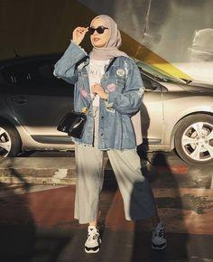 Save Lives : Help Stop Coronavirus Hijab Fashion Summer, Modern Hijab Fashion, Street Hijab Fashion, Muslim Fashion, Look Fashion, Hijab Casual, Hijab Chic, Ootd Hijab, Hijab Teen
