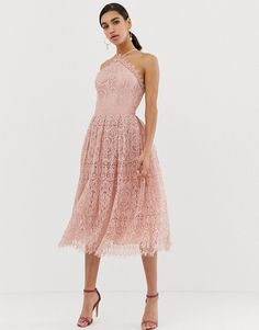 Shop ASOS DESIGN lace midi dress with pinny bodice. With a variety of delivery, payment and return options available, shopping with ASOS is easy and secure. Shop with ASOS today. Affordable Bridesmaid Dresses, Lace Bridesmaid Dresses, Prom Dresses, Dress Wedding, Corsage, Top Y Pollera, Design Rosa, Mode Shoes, Midi Skater Dress