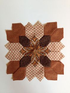 Lucy Boston block 38 by Janet