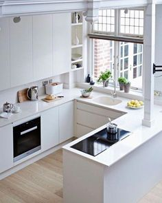 40 Fabulous Small Apartment Kitchen Ideas To Maximize The Room - When doing a small kitchen design for an apartment, either a corridor kitchen design or a line layout design will be best to optimize the workflow. Small Apartment Kitchen, Home Decor Kitchen, Home Kitchens, Kitchen Ideas, Kitchen Small, Kitchen White, U Shape Kitchen, Small Modern Kitchens, Kitchen Decorations