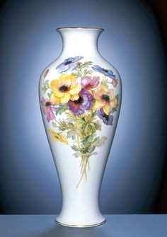 Vase, H 47,5 cm, Blume naturalistisch, bunt, ohne Schmetterling, Goldrand