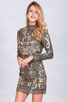 Sexy backless gold sequin Dress Women elegant floral plaid bodycon Dress to choose right size please see the size chart Vestidos Vintage, Vintage Dresses, Gold And Black Dress, Gold Sequin Dress, Shift Dresses, Elegant Dresses, Casual Dresses, Beautiful Dresses, Dress Outfits