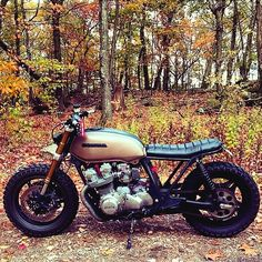 Honda CB That's absolutely perfect ! Cafe Racer Honda, Cg 125 Cafe Racer, Custom Cafe Racer, Cafe Racer Bikes, Chopper, Motos Honda, Honda Cb750, Cb750 Cafe, Brat Bike