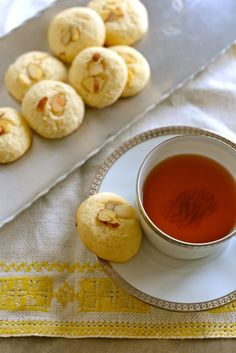 Finnish Aunt Hanna's Cookies--Hannatädinkakut--come together easily and would be perfect with an afternoon cup of tea.