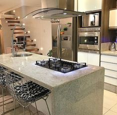 [New] The 10 Best Home Decor Today (with Pictures) Tidy Kitchen, Summer Kitchen, Home Decor Kitchen, Kitchen Interior, H Design, House Design, Kitchen Island Dining Table, Kitchen Chimney, Luxury Kitchen Design