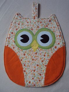 Porta celular bolsa carregador p/ tomada unicornio - azul no Mug Rug Patterns, Potholder Patterns, Quilt Patterns, Crochet Crafts, Fabric Crafts, Sewing Crafts, Sewing Projects, Coin Crafts, Owl Sewing