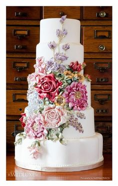 Gorgeous Buttercream flower wedding cake