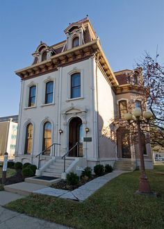 The Dayton International Peace Museum is dedicated to peaceful conflict resolution strategies. Learn more about its mission to inspire a culture of peace. University Of Dayton, Dayton Ohio, The Buckeye State, Vacations To Go, Architecture Old, Beautiful Buildings, Day Trips, Old Houses, Great Places