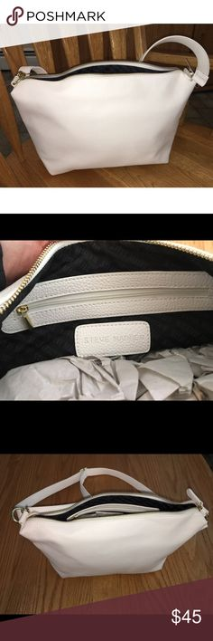 ◽️Steven Madden White Crossbody Bag. NWOT◽️ *BRAND NEW* Steve Madden White Crossbody Bag. This bag is adjustable as pictured. Stuffing is still inside. Never worn. Steve Madden Bags Crossbody Bags