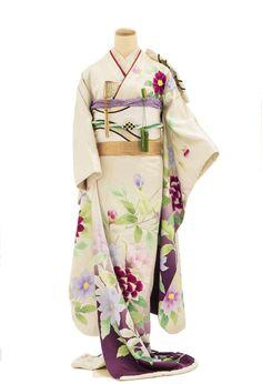 Traditional Wedding Dresses, Traditional Outfits, Kimono Dress, I Dress, Kabuki Costume, Modern Kimono, Wedding Kimono, Yukata, Japanese Kimono