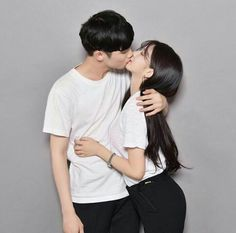 o the right full owners - - - - - - - - - - - Couple Ulzzang, Ulzzang Korean Girl, Korean Boy, Cute Korean Girl, Korean Couple, Cute Couple Pictures, Love Couple, Couple Goals, Couple Photos