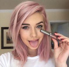 Chicas de pelo rosa corto