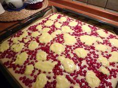Lenka včelka: LEHKÁ JAKO PEŘÍČKO Sweet Recipes, Cake Recipes, Dessert Recipes, Food Hacks, Sweet Tooth, Deserts, Food And Drink, Cooking Recipes, Pudding