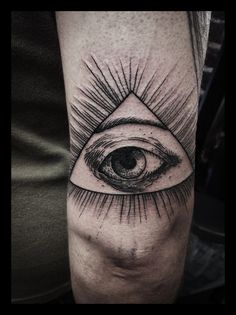 1000 images about eye triangle tattoo on pinterest tatoo triangles and triangle eye. Black Bedroom Furniture Sets. Home Design Ideas