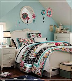 Mint bedroom - i like the look of the furniture