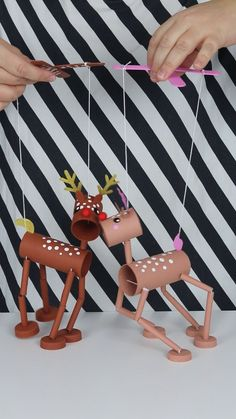 Marionett dolls, Christmas reindeers made by toilet rolls - Diy Home Crafts Diy Home Crafts, Fun Crafts, Crafts For Kids, Arts And Crafts, Upcycled Crafts, Toilet Roll Craft, Puppet Crafts, Puppets, Marionette Puppet