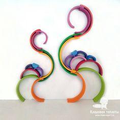 102 vind-ik-leuks, 6 reacties - ДЕРЕВЯННЫЕ ИГРУШКИ (@kladovaya_teploty) op Instagram: 'Уютного вам сентябрьского вечера и интересных совместных игр! Для вдохновения вам парочка фламинго…' Rainbow Activities, Eyfs Activities, Infant Activities, Activities For Kids, Montessori Playroom, Baby Playroom, Grimm's Toys, Grimms Rainbow, Rainbow Invitations