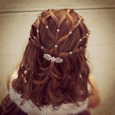 My niece's hair as a #flowergirl. My sister-in-law did it herself! It's quick and easy to do!