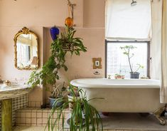 Welcome to House Calls, a recurring feature in which Curbed tours New Yorkers' lovely, offbeat, or otherwise awesome homes. 1970s Art, Soho Loft, Small Loft, Room To Grow, Interior Decorating, Interior Design, Dream Apartment, Beautiful Bathrooms, Cheap Home Decor