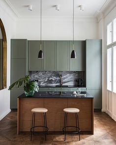Kitchen Room Design, Modern Kitchen Design, Home Decor Kitchen, Interior Design Living Room, Home Kitchens, Kitchen Ideas, Kitchen Lamps, Green Kitchen, Timber Kitchen