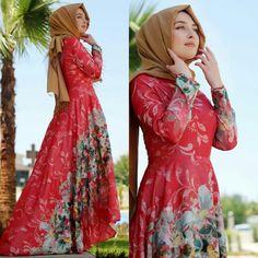 Merve Gündüz Floral Abiye Mercan 495 TL  Beden Seçenekleri ile ( 36-44 ) www.markamoda.com da ✔ #fashion #fashiondesigner #hijabfashion #hijabi #instafashion #styles #style #tesettürmoda #tesettürtrend #moda #styles #style