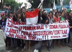 Tuntutan Belum Dipenuhi, Ratusan Buruh Demo di Depan Pabrik