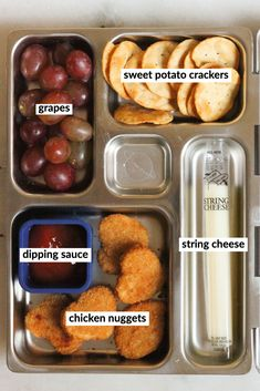 What kid doesn't love chicken nuggets? This about this bento box next time it's time for lunch meal prep. Kids Packed Lunch, Kids Lunch For School, Healthy Lunches For Kids, Toddler Lunches, Kids Meals, Healthy Snacks, Healthy Recipes, Bento Box Lunch For Adults, Healthy Eating