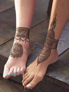 couples-idea-for-cute-henna-feet-tattoos-mandala-and-ankle-bracelet-effect-tatto. - couples-idea-for-cute-henna-feet-tattoos-mandala-and-ankle-bracelet-effect-tatto… – couples-id - Henna Ankle, Henna Leg Tattoo, Henna Sleeve, Leg Mehndi, Anklet Tattoos, Leg Tattoo Men, Sleeve Tattoos, Tattoo Art, Henna Feet