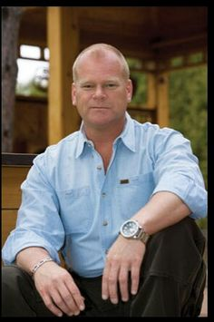 Mike holmes giving women everywhere a new appreciation for mike holmes solutioingenieria Gallery