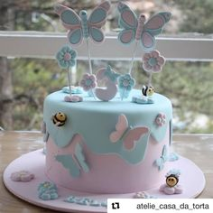 Cake Recipes Vanilla Birthday - New ideas Butterfly Birthday Cakes, Baby Birthday Cakes, Butterfly Cakes, Girly Cakes, Cute Cakes, Love Cake, Fondant Cakes, Celebration Cakes, Themed Cakes