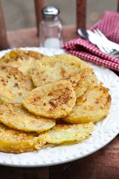 Fried Green Tomatoes with Buttermilk Dipping Sauce Recipe