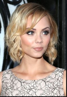 47 Awesome Hairstyles Of Laura Vandervoort Pixie Hairstyles, Pixie Haircut, Cute Hairstyles, Laura Vandervoort, Smallville, Sport Tv, Blonde Actresses, Ageless Beauty, Jennifer Morrison