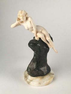 Affortunto Gory (Gori), French art deco sculpture of a nude woman on a rock. Art Deco Period, Art Deco Era, Art Nouveau, Art Sculpture, Art Deco Furniture, Art Deco Design, Erotic Art, Sculpting, French Art