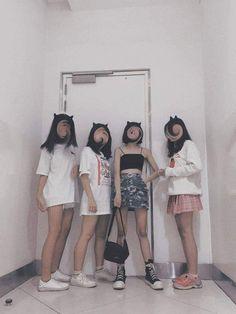 Sace = Follow #Miinizb Korean Friends, Best Friends, Ig Post, Swagg, Ulzzang, Korean Fashion, Crushes, Group, Purple